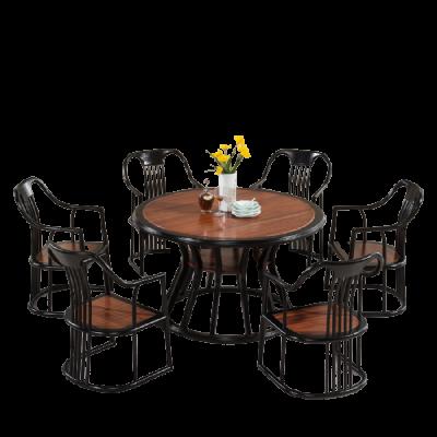 Bàn ghế phòng ăn bằng gỗ cao cấp và sang trọng