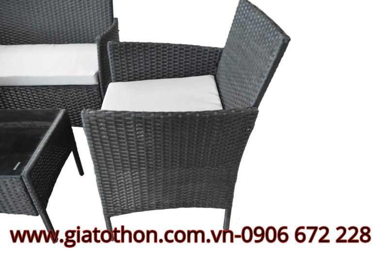 Bàn ghế nhựa mây thanh lý