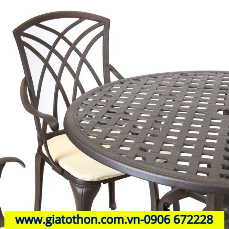 bàn ghế nhôm đúc chất lượng
